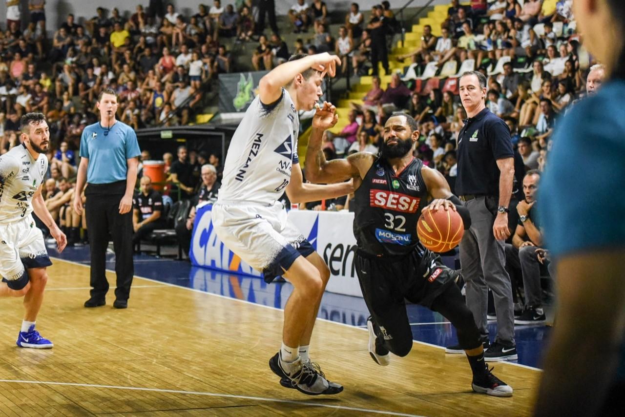 No último jogo do ano, Sesi Franca Basquete vence Bauru