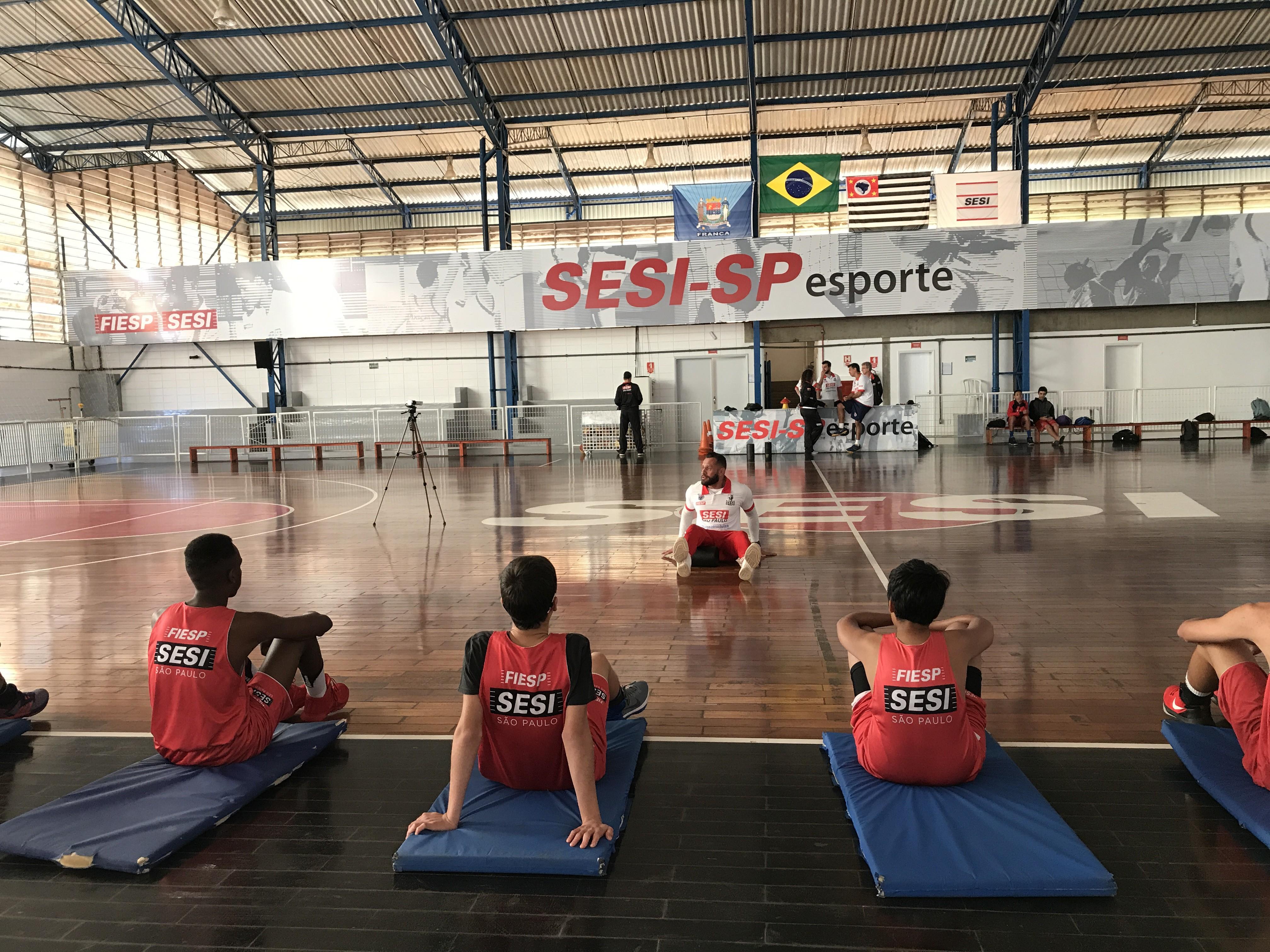 1° Camp SESI-SP de Basquete acontece em Franca com presença de jogadores e técnicos