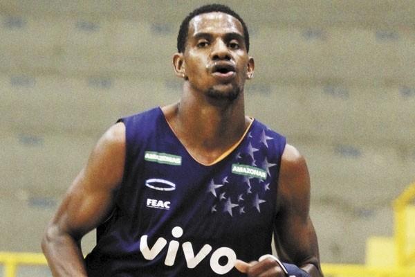 Jhonatan Luz está de volta ao Sesi Franca Basquete